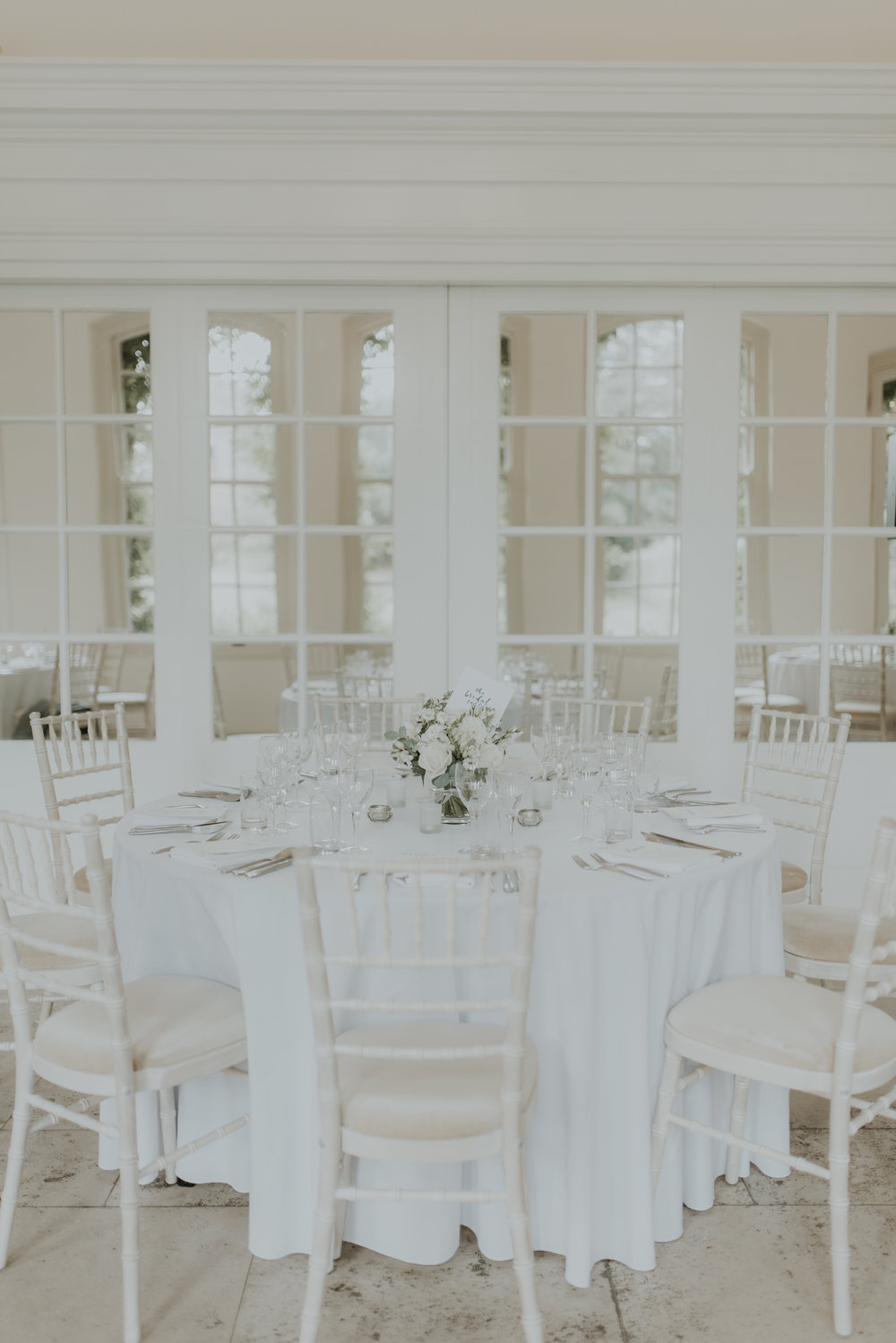 wedding-reception-white-the-planning-lounge
