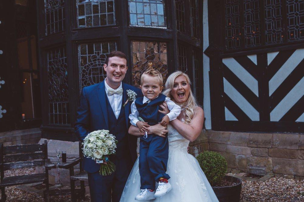 Samlesbury_Hall_Wedding_Photographer_2017_-46.jpg
