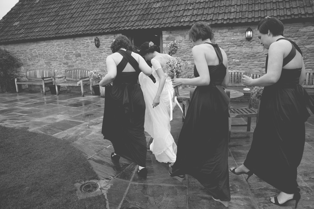 Kingscote-Barn-Wedding-Photography-29.jpg