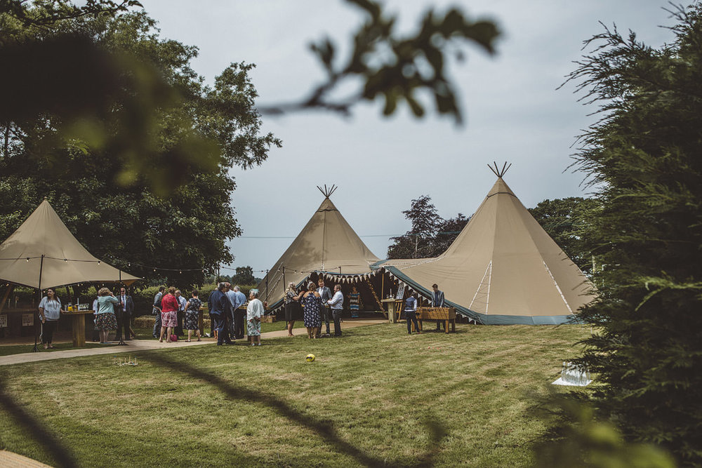 Cholmondeley Arms Tipi Cheshire Wedding Photography - 19.jpg
