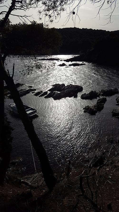 Rives sous la lune, les côtes du Cap Bénat