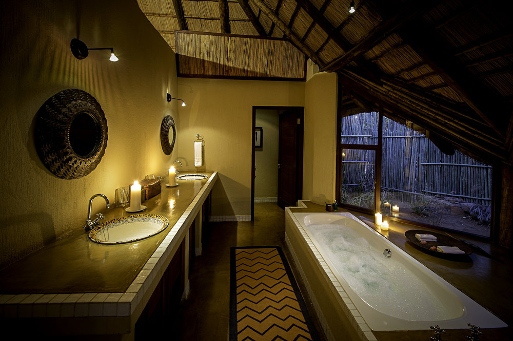Rare Earth_Tshwene_Bathroom_01.jpg