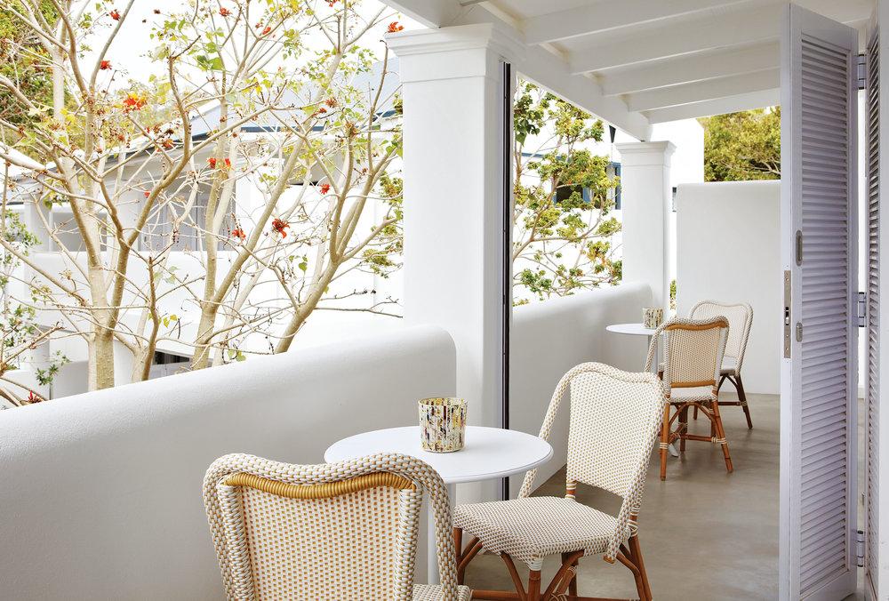 4. or_room_family_terrace.jpg