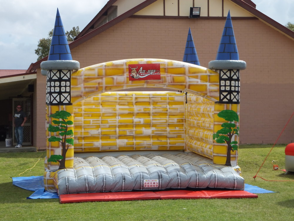Royal Bouncy Castle Hire (9).JPG
