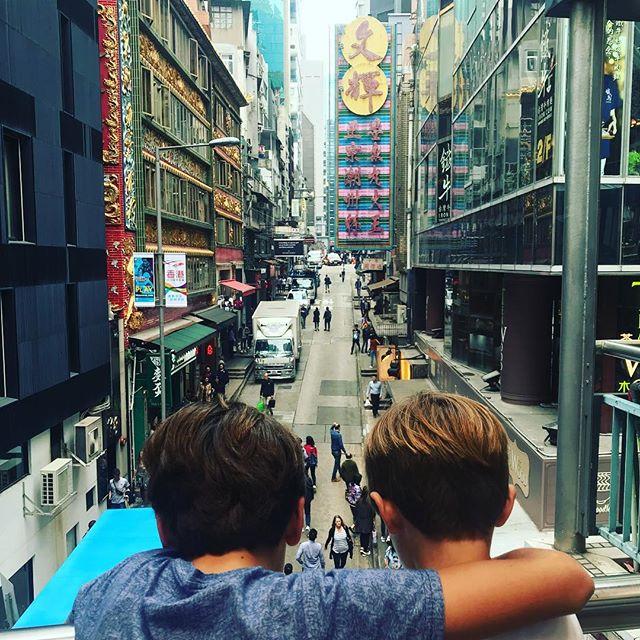 #bestbuddies back in #hongkong . . . . . . . #holiday #travelwithkids