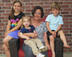 martha-grandkids-big