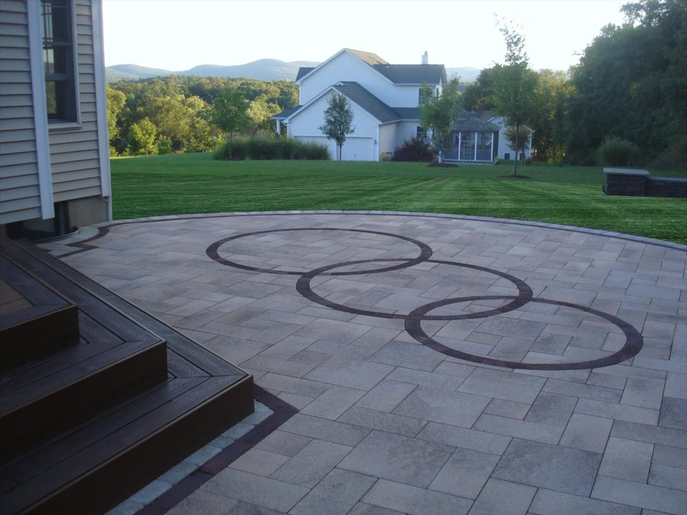 Concrete Pavers for Adding a Modern Twist to your Hopewell Junction, NY, Driveway