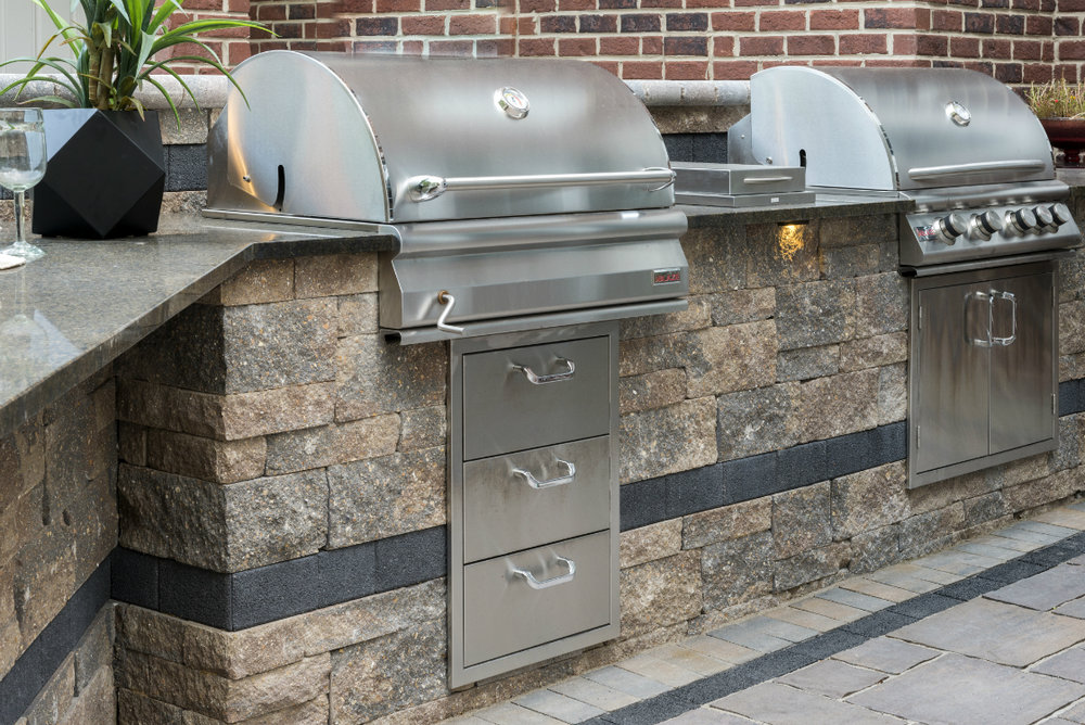 Minimize Trips Between the Home and Patio with a First-Class Outdoor Kitchen in Fishkill, NY