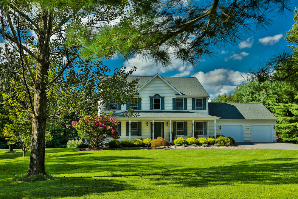 How to Care for Your Lawn with Fertilizer Year-Round in Poughkeepsie, NY
