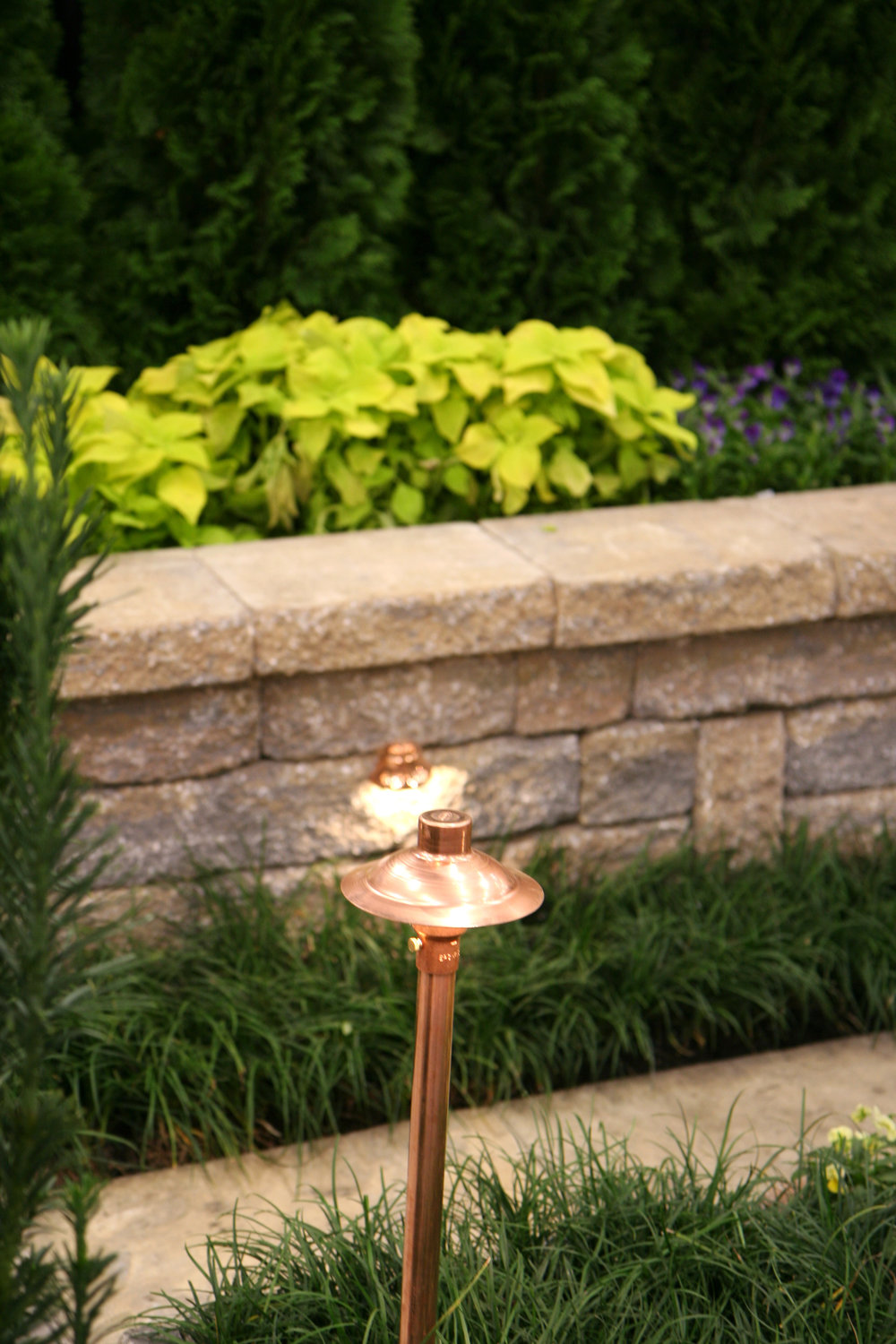 5 Best Landscape Lighting Solutions for Illuminating Walkways and Steps in Lagrangeville, NY
