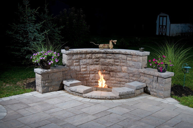 Backyard Landscaping With Fire Pit
