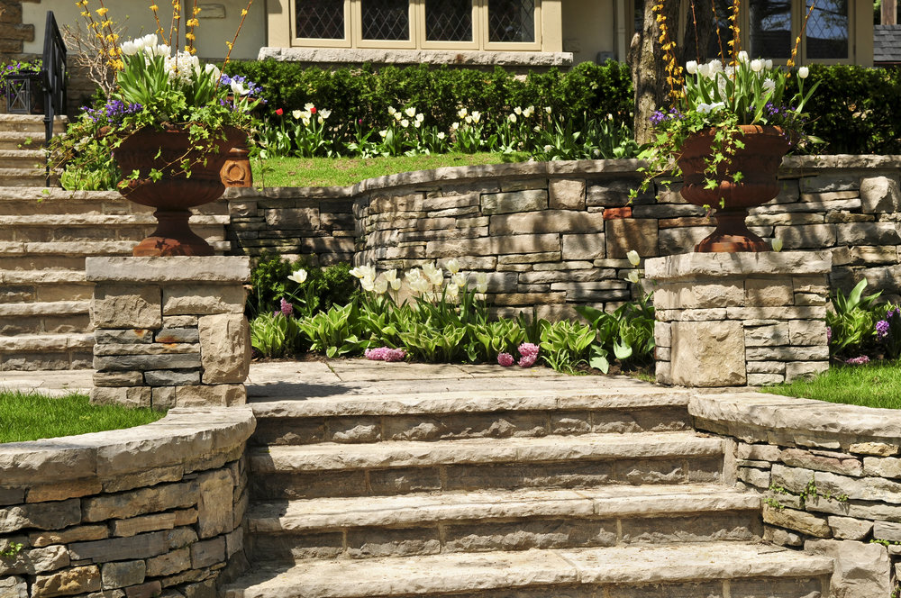 Designing Stunning Curved Retaining Walls in Putnam County, NY