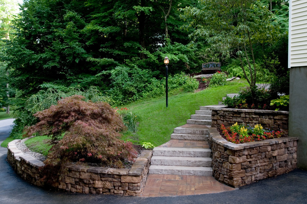 4 Advantages of Installing a Retaining Wall for Your Hopewell Junction, NY, Property
