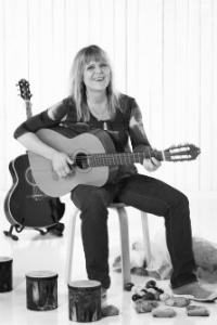Dorte Nørgaard - BABYRYTMIK | RYTMIKFORLØB | BØRNS MOTORIK20 82 14 14Send en mailWebsite▶︎ Se profil