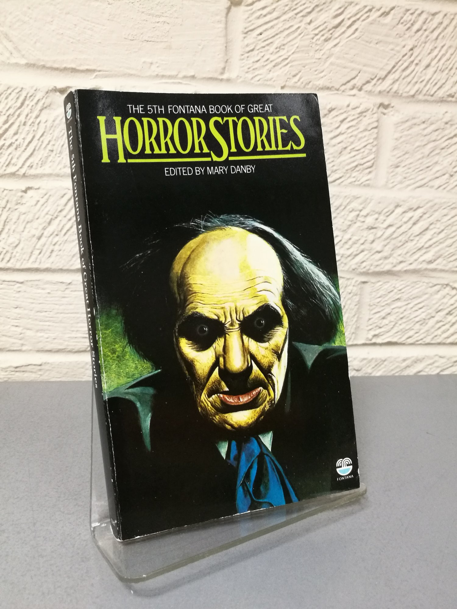 Fontana Book of Great Horror Stories - a delve into the