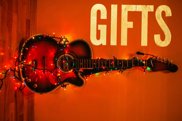 LB - Image - Xmas Pages - Music lovers - Gifts.PNG