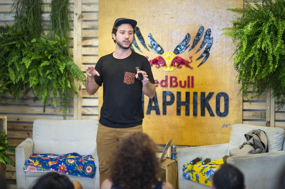 Palestra a convite da RedBull Amaphiko para falar sobre técnicas de comunicação contemporânea e storytelling para empreendedores sociais locais / Recife - 16/10/2016
