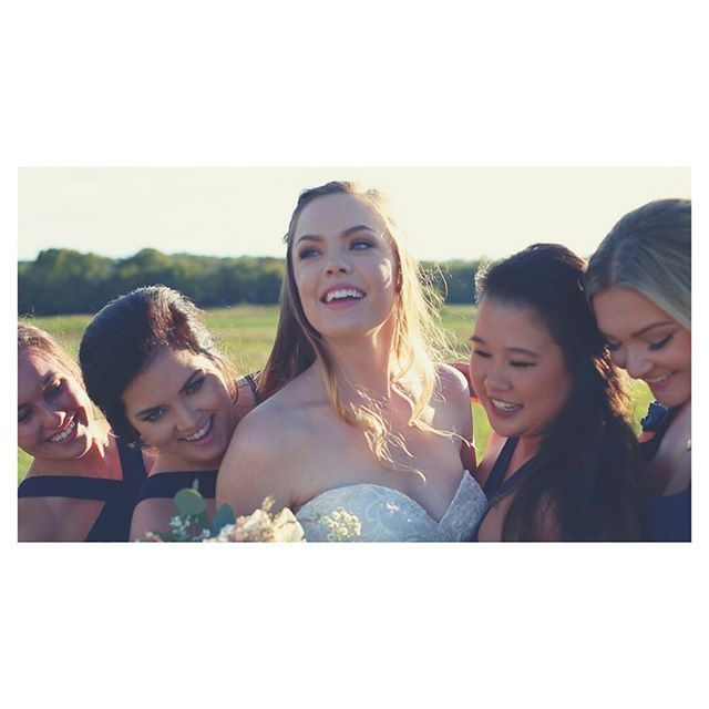 Friends ❤️ . . . . #cinematography #photography #nashville #instagood #follow #followme #filmmaker #video #wedding #weddingvideography #love #marriage #southernweddings #southernwedding #theknot #weddingwire #weddingdress #weddings #weddingfun #weddingday #weddingtime #weddinggown #weddingdetails #wedding2017 #bride #brides #videography #weddingvideo #weddingvideography