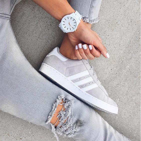 f45d88433 Sapatilha, tênis ou salto alto: o que seus sapatos dizem sobre a sua  personalidade — Bliss Nail Lounge
