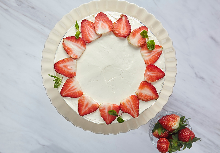 AATD_CelebCake_StrawberryCream_008.JPG