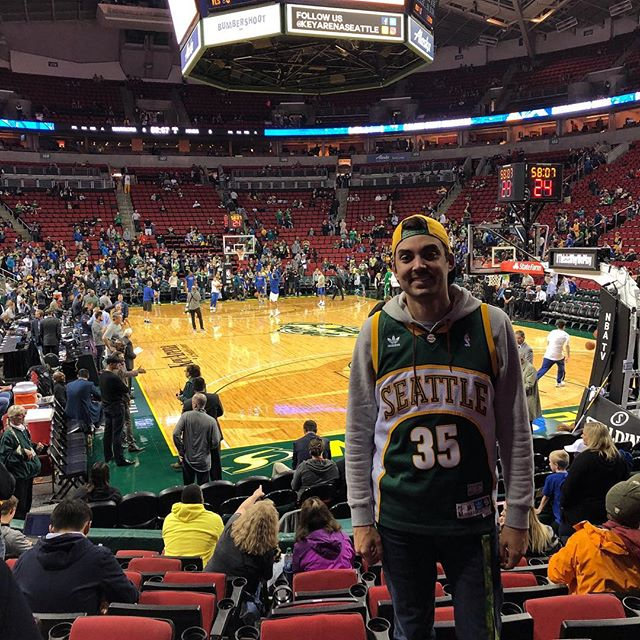 It was always my dream to watch an @nba  game at Key Arena. I wasn't sure if it would ever happen until last night. Getting to watch KD??? My heart is full. 💚🏀💛 ... #saveoursonics #bringemback #sonicsforever