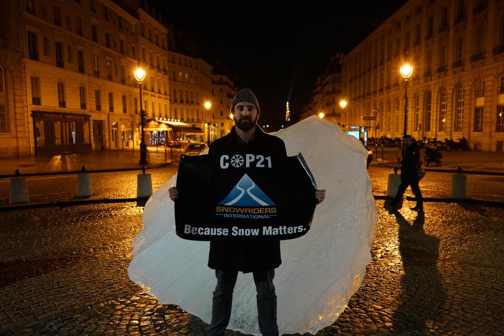 COP21 Iceberg shard SNO.jpg