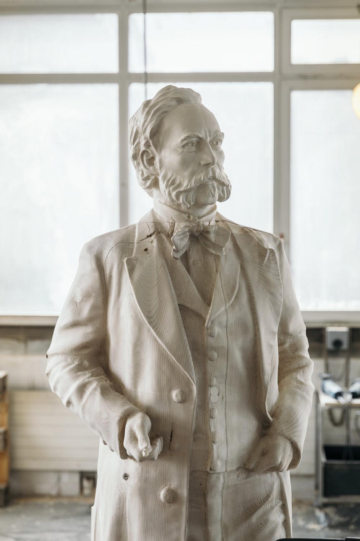 Skulpturen aus Holz -