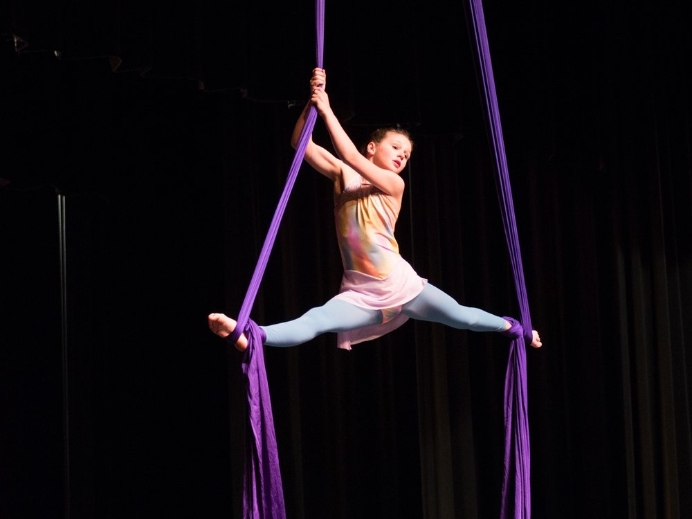 Ireland Styvar on aerial silks
