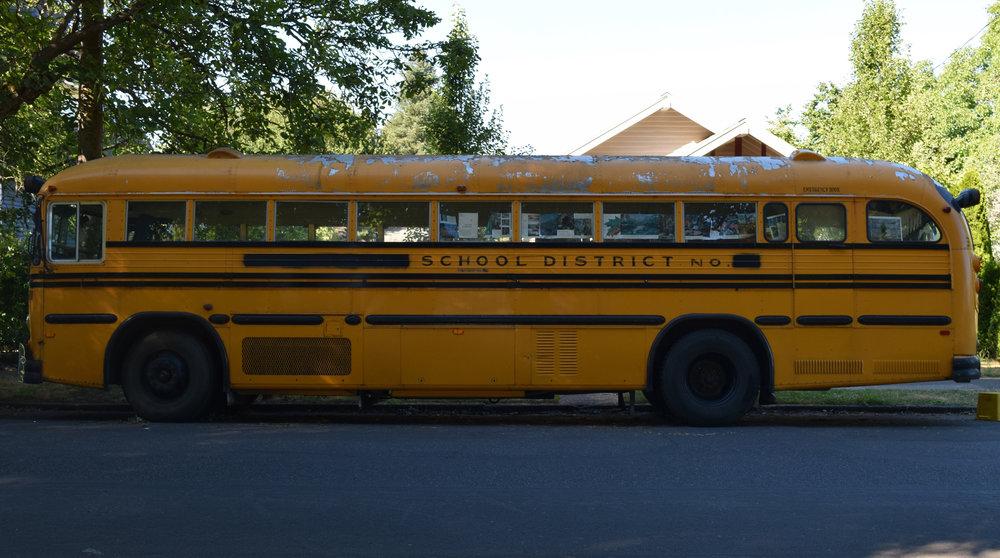 - Sara Reed: Bus Life