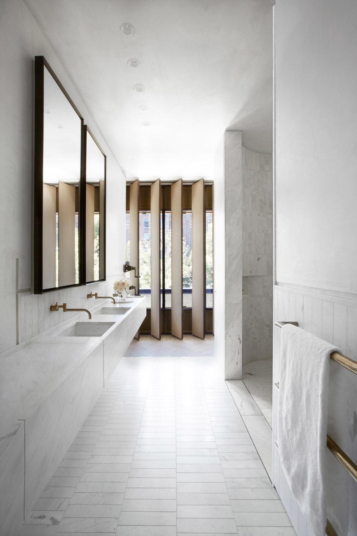 Smart design studio creates a sculptural concrete facade for Studio 11 architecture