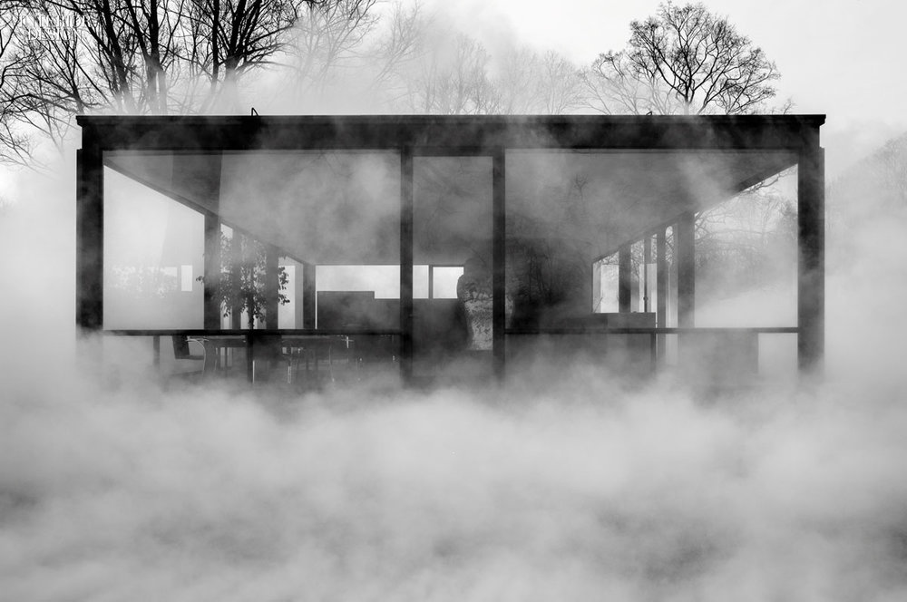 Fujiko Nakaya, Fog Installation at Philip Johnson's Glass House   Photography by Richard Barnes