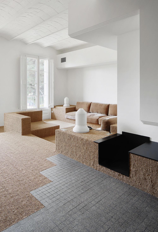 Barcelona Flat Renovated by Arquitectura-G Anniversary Magazine