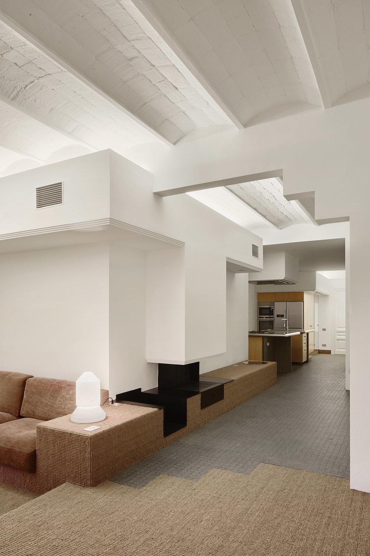 Barcelona Flat Renovated by Arquitectura-G Anniversary Magazine1