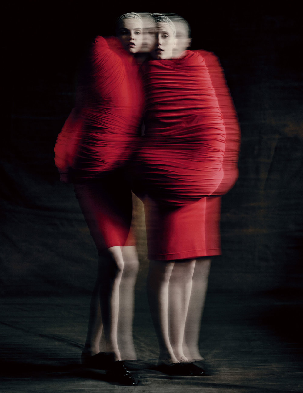 Body Meets Dress–Dress Meets Body, spring/summer 1997; Courtesy of Comme des Garçons.  Photograph by © Paolo Roversi ; Courtesy of The Metropolitan Museum of Art