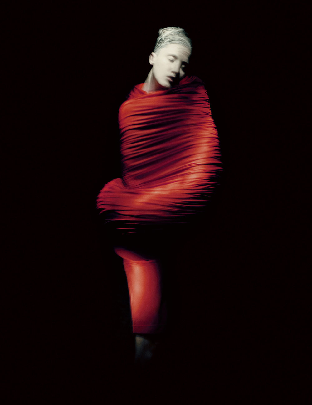 Body Meets Dress–Dress Meets Body, spring/summer 1997; Courtesy of Comme des Garçons.  Photograph by © Paolo Roversi; Courtesy of The Metropolitan Museum of Art