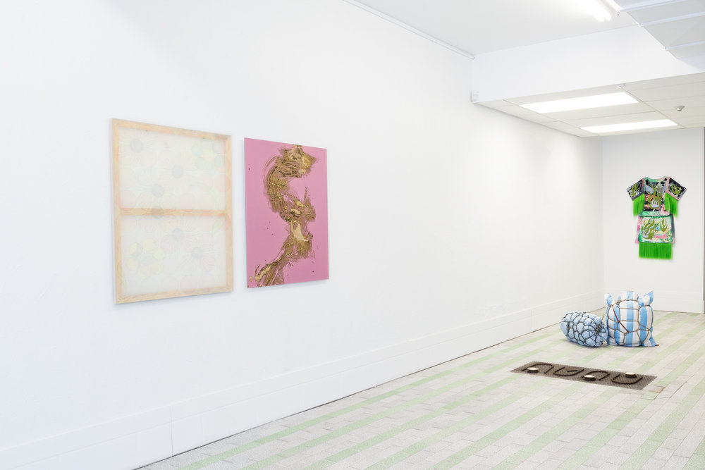 Installation View,  Four Pillars, 2018 © Sandra La Rochelle.Courtesy of L'INCONNUE. From left: Hanna Hur's  Nervy,  2017; Laurie Kang's  Skin on Skin, 2016; Maia Ruth Lee's  Of Woman Born, 2018 and  Baggage Bondage , 2017;Xa's  Yung Abalone Iridescent Inlay on Sea Foam and Kelp, 2017.