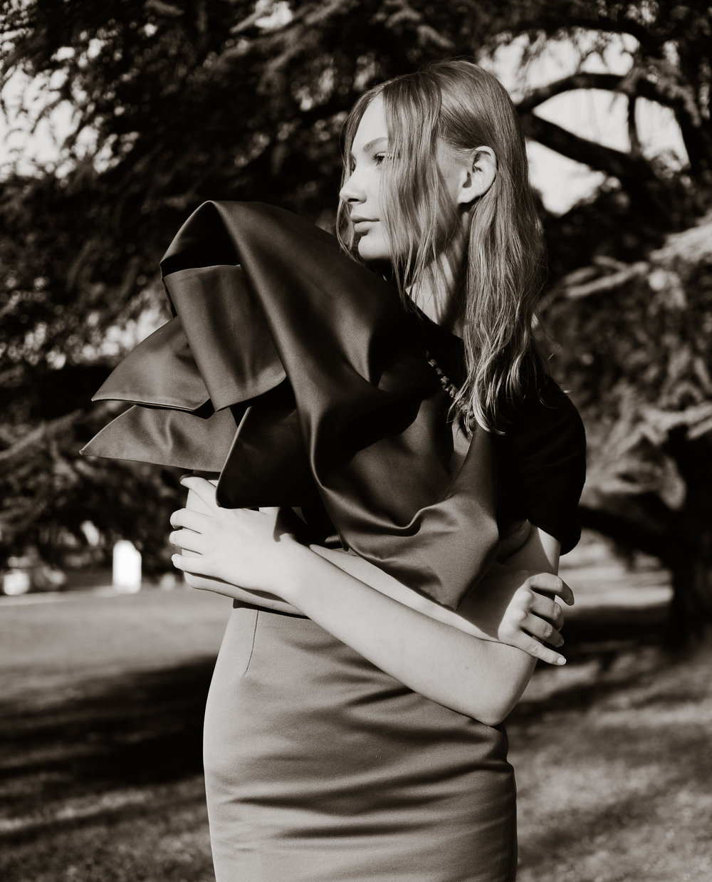 Cotton t-shirt - Léo, Silk dress - Martin Grant.