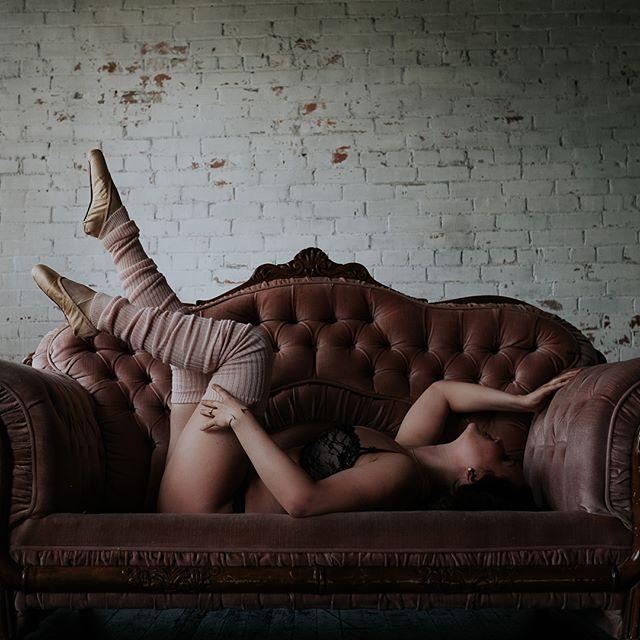 When your client is a real live ballerina . . . . . . . . . #boudoir #edmontonboudoir #yegboudoir #intimate #inspo#yeg #makeportraits #loft #loftstudio#boudoirphotographer#yegphotographer #boudoirphotography #boudoirstudio#portrait #makeportraits #beauty #beautiful #domorephotographer #chasinglight#lookslikefilm #woman#instagood #intimateportraits#boudoirphotography#intimatelifestylephotography
