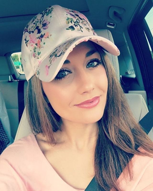 Stylish girl in our fab floral print cap 🌸 #nicolemarciano