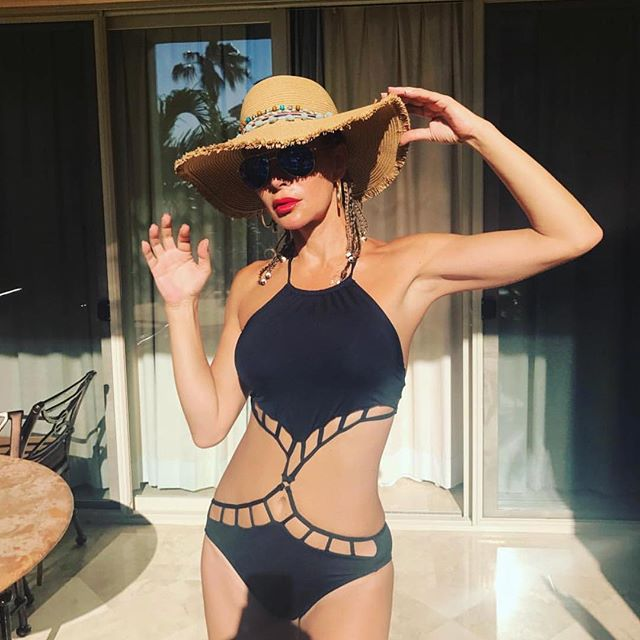 Looking fab in our straw hat 💋 #nicolemarciano