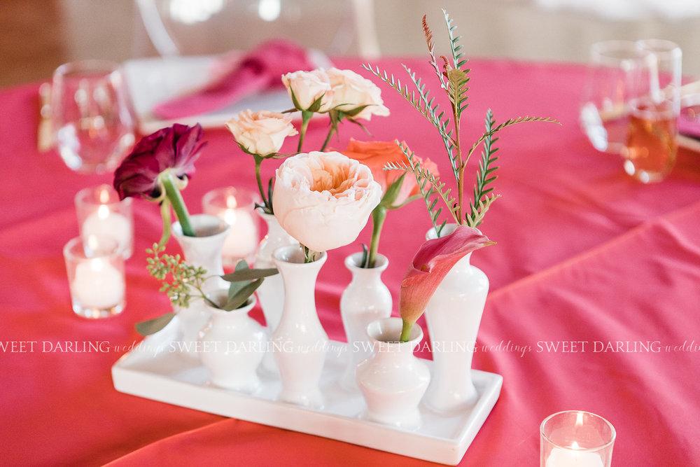 modern bud vase tray centerpiece