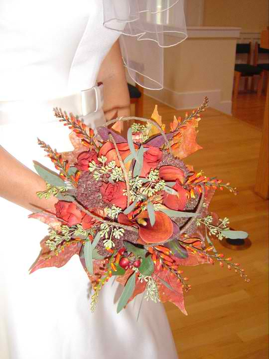 My first bridal bouquet, thirteen years ago. This is when I found my love for wedding design.