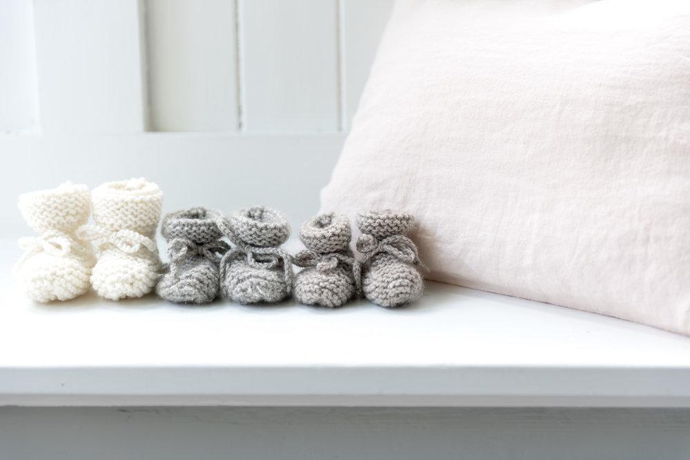 """Collection de petites bottes """"en alpaga"""" - Tricots Intemporels pour Bébés"""