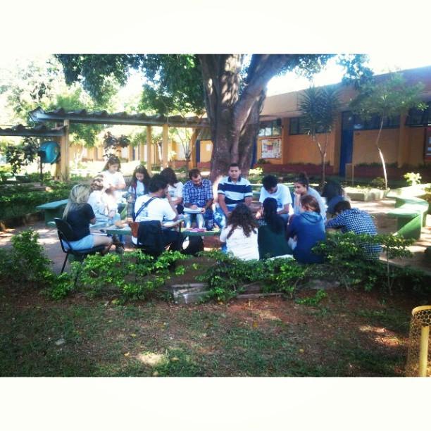 Em Brasília, conversando com estudantes do projeto Re(vi)vêndo Êxodos