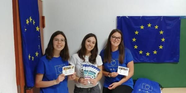 Antonella en el Día de Europa con Albertina y Diana