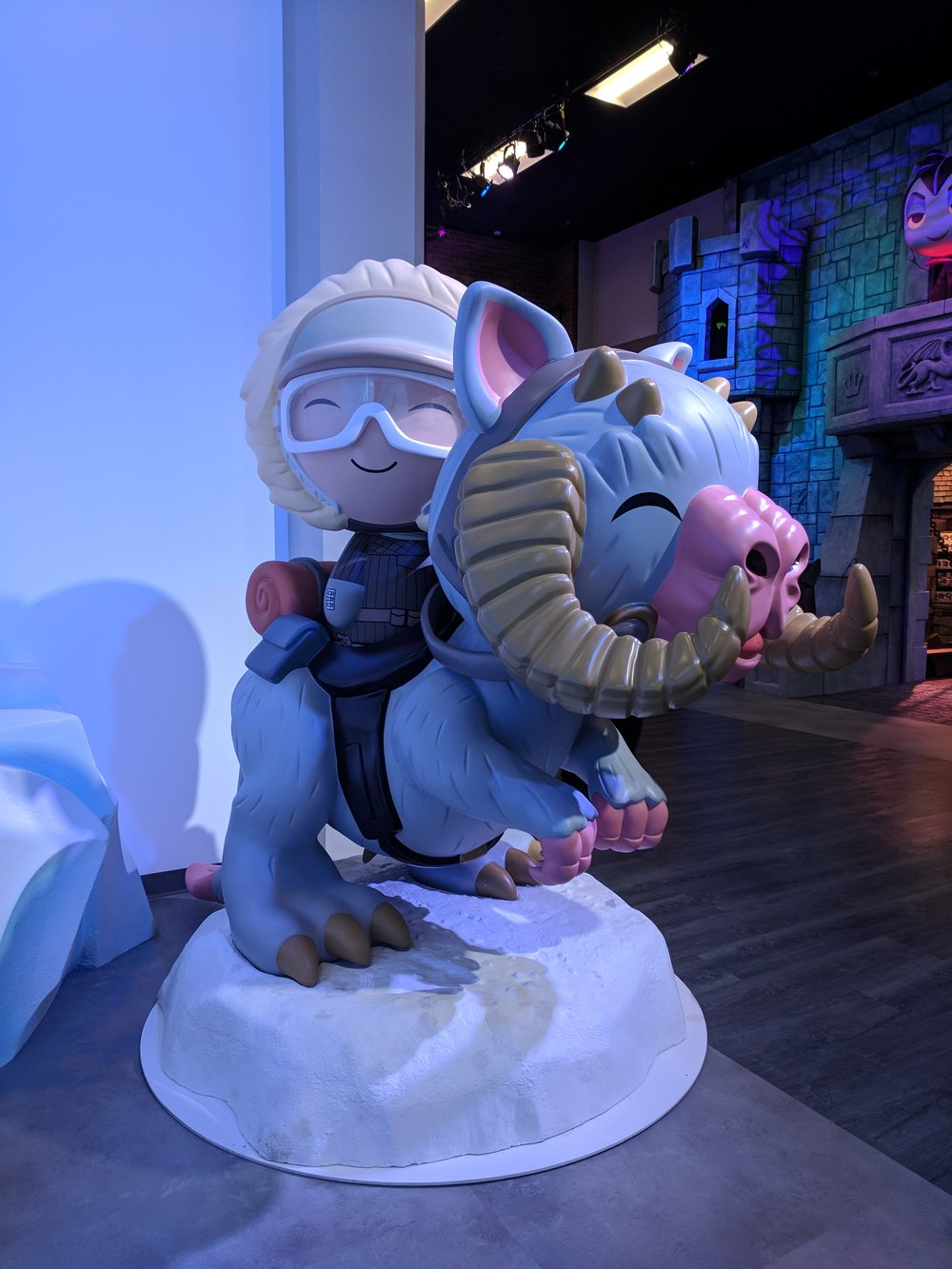 Back to cute with this Giant Dorbz rendition of Han and his tauntaun