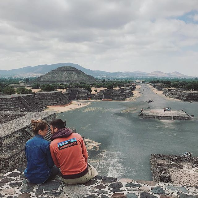 Today we visited Teotihuacán archeological site. We chose Joel to guide us and he taught us so many interesting things. It's crazy how these pyramids were built 2.000 years ago. 🇲🇽😱🙏
