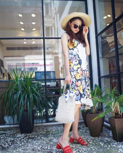 @vincci_yang   Vincci in L CARÈNE dress and Marais Sandals (19/6/17)  Photo Credit:  vincci_yang