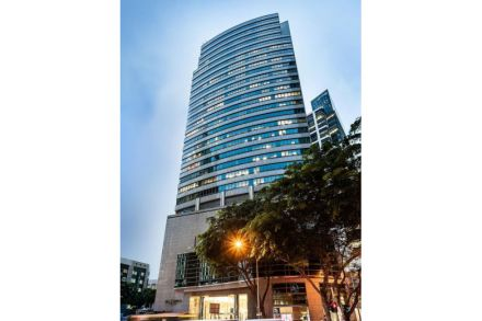 20141009-bt-samsung-hub-19th-floor-sold-pic