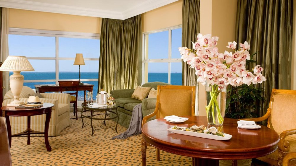 Executive Suite - loungetablebay hotel.jpeg